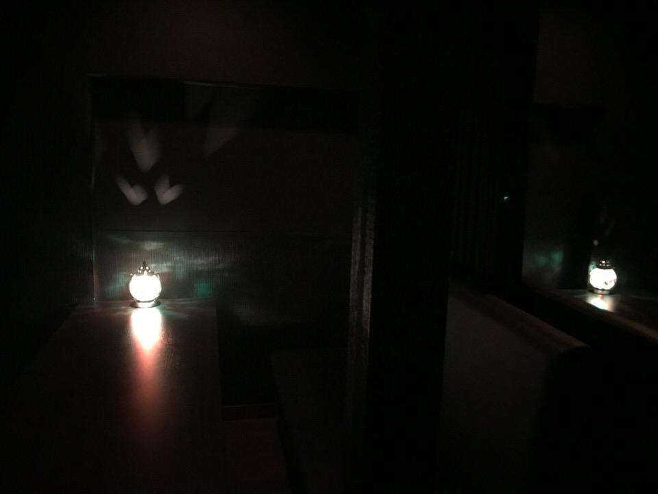 テーブル席は灯火
